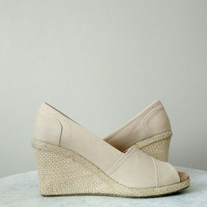 Wanted Cream Canvas Natural Wedges 7.5